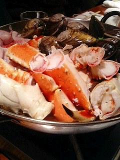 蛤にタラバ蟹、絢爛豪華寄せ鍋